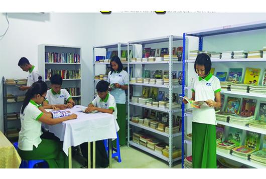 Myint Myat Pyin Nyar_0129 Photo 6.jpg
