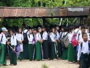 ကျောင်းများပြန်လည်ဖွင့်လှစ်ရန် ဇူလိုင်လလယ်တွင် ပြန်လည်သုံးသပ်မည်