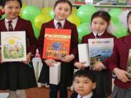 အမေရိကန်နိုင်ငံမှ လာအိုသို့ မူလတန်းကြိုပုံပြင်စာအုပ်ပေါင်း ၂၉၀၀၀ အုပ် လှူဒါန်း